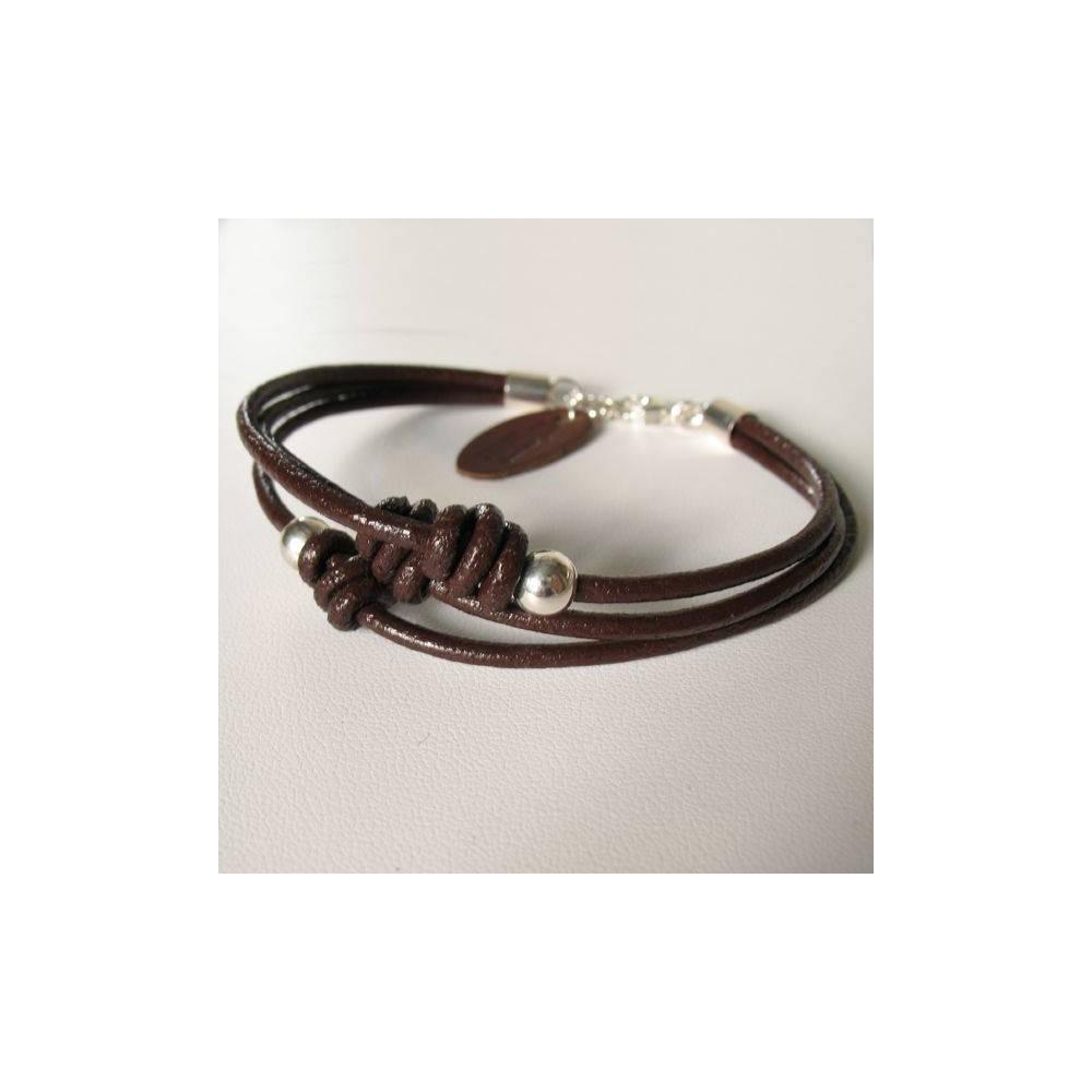 Bracelet Léo triple lien en cuir expresso et 2 boules en argent massif. DOZ