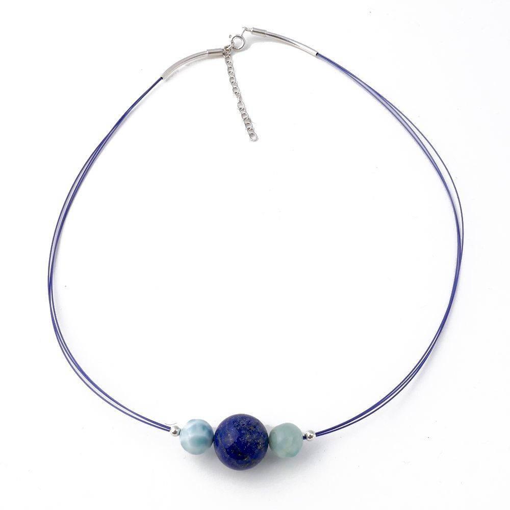 Margarita: collier en lapis lazuli et larimar sur cable bleu. Argent 925
