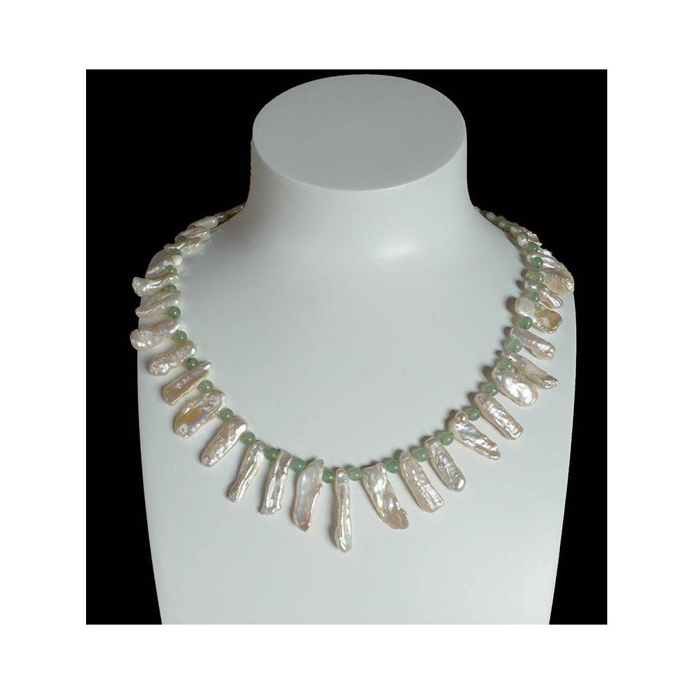 Aria, collier de perles keshis blanches et pierres naturelles vertes
