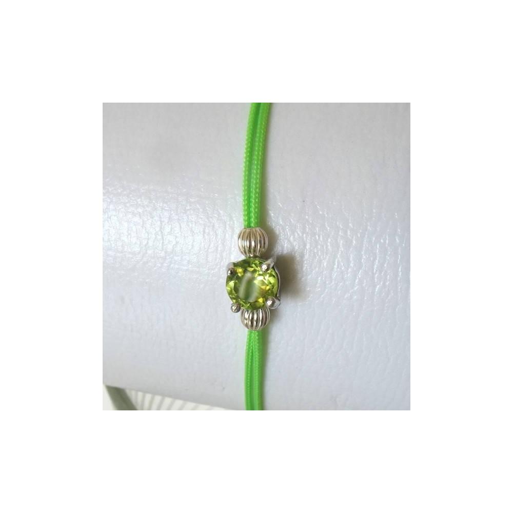 Bracelet POP péridots fil vert. Argent massif rhodié