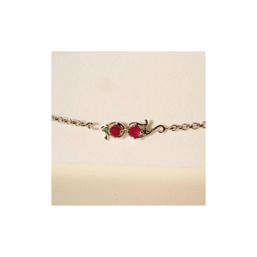 Bracelet Mounia rubis et tsavorite. Argent 925. Détail du motif